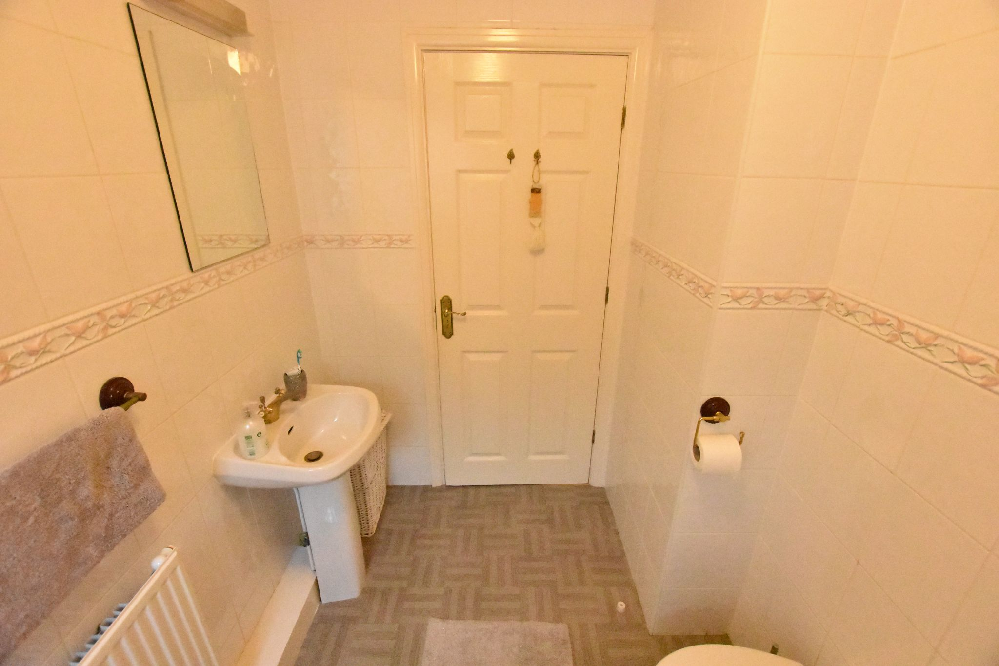 4 bedroom detached house Sold STC in Lytham St. Annes - Bathroom