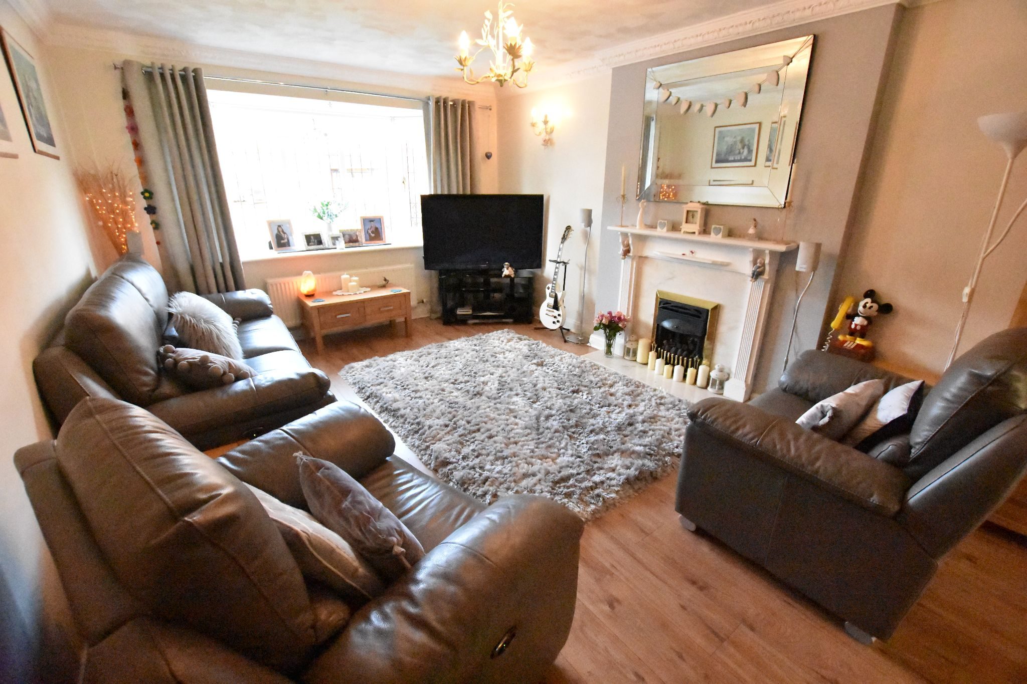 4 bedroom detached house Sold STC in Lytham St. Annes - Lounge
