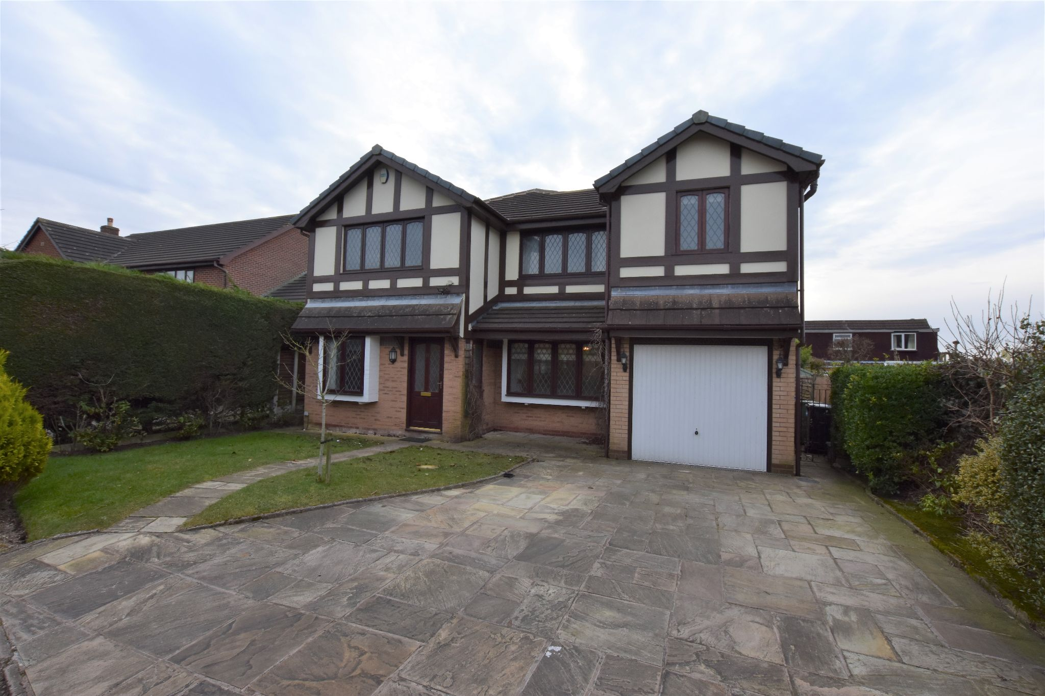 5 bedroom detached house To Let in Preston - Property photograph