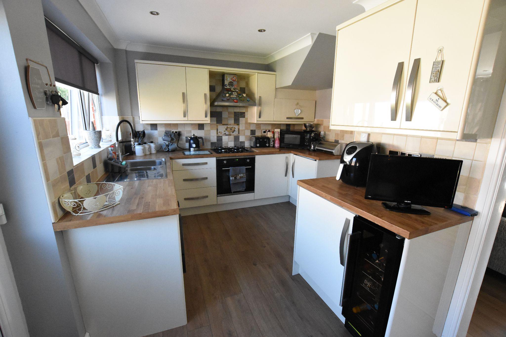 3 bedroom semi-detached house Sold STC in Preston - Kitchen Diner