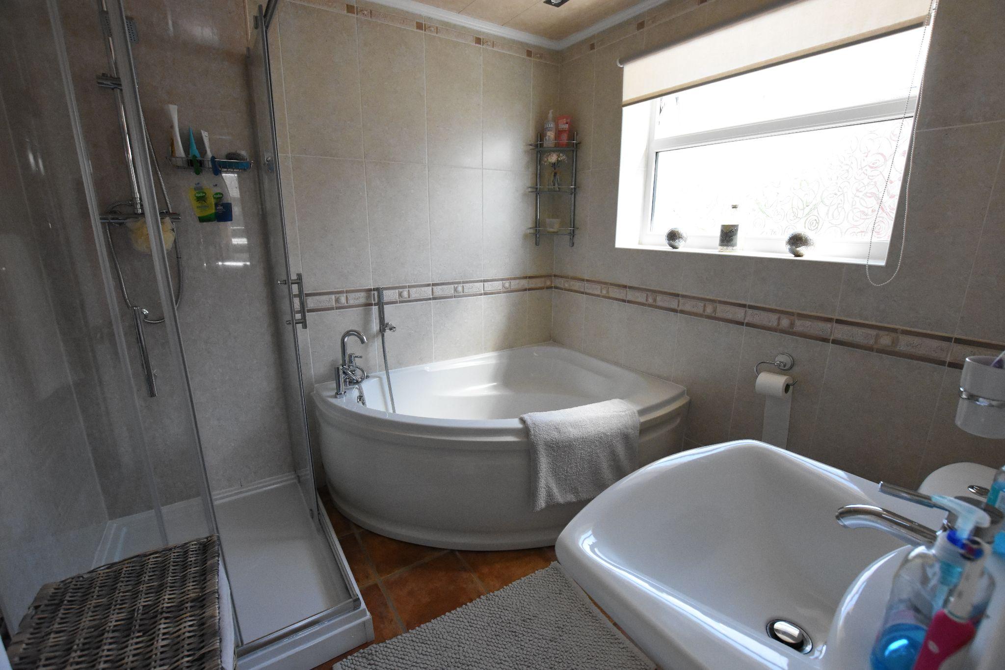 3 bedroom semi-detached house Sold STC in Preston - Bathroom