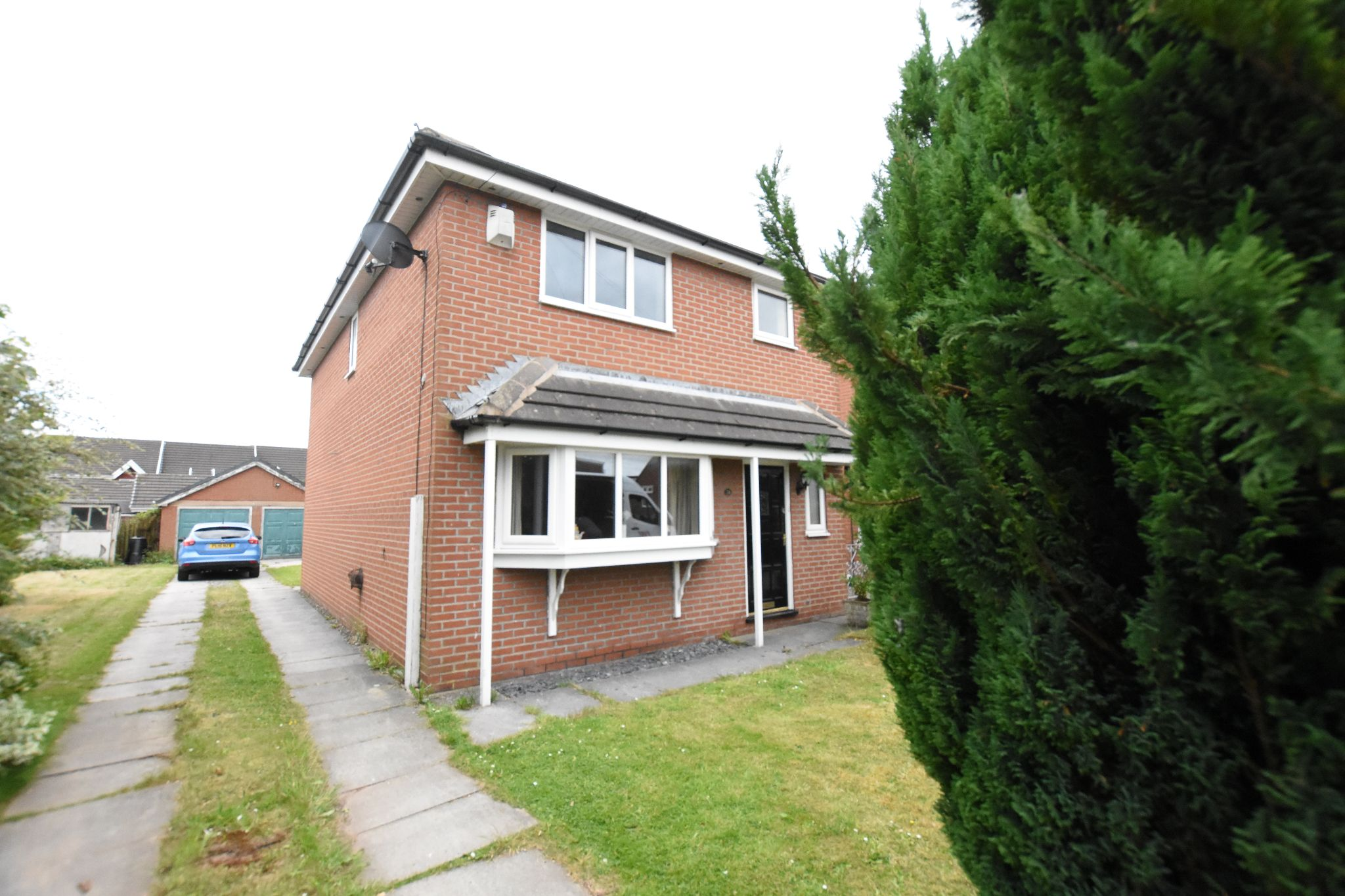 4 bedroom detached house Sold STC in Preston - Drive