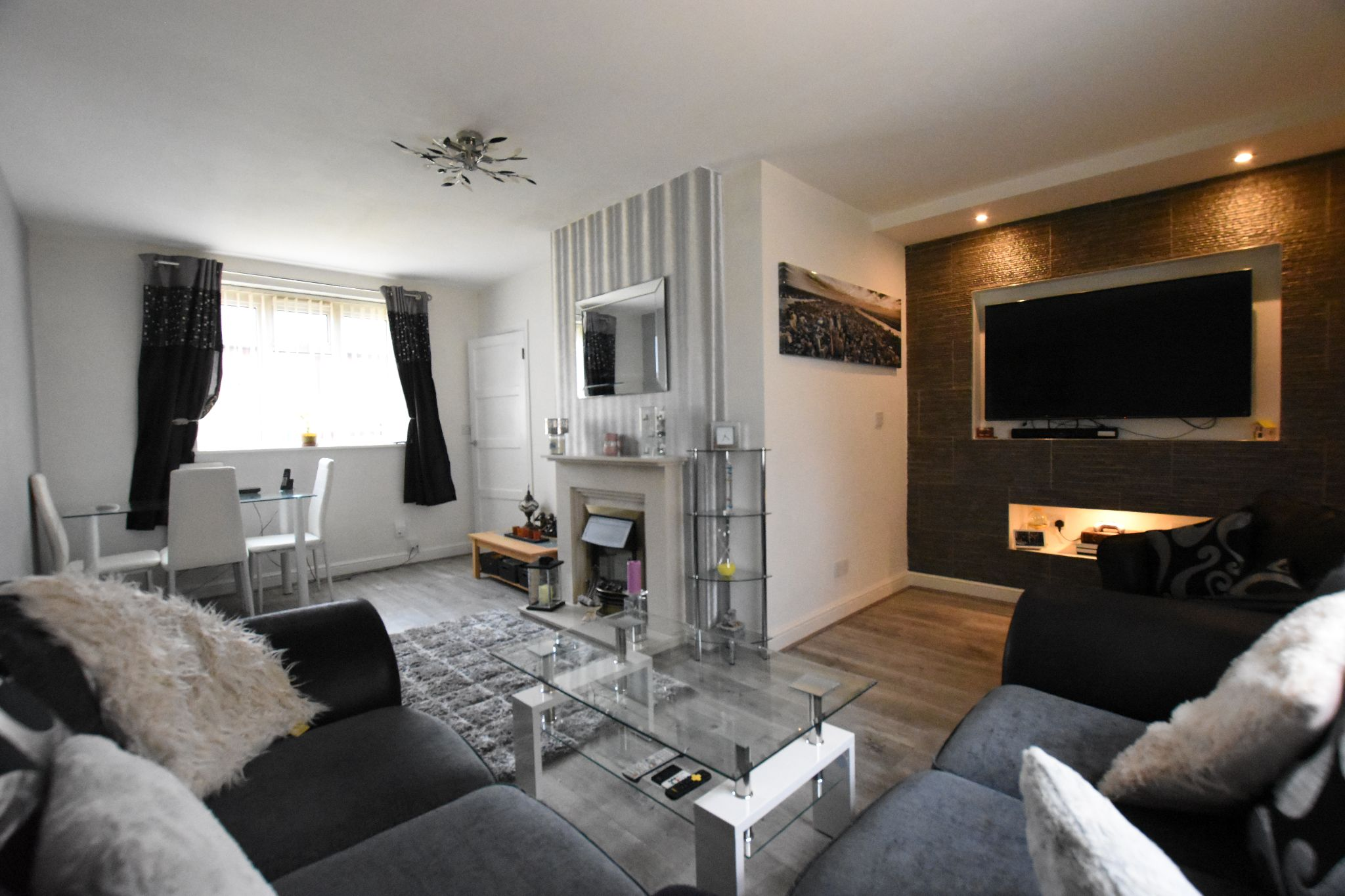 3 bedroom mid terraced house For Sale in Preston - Property photograph