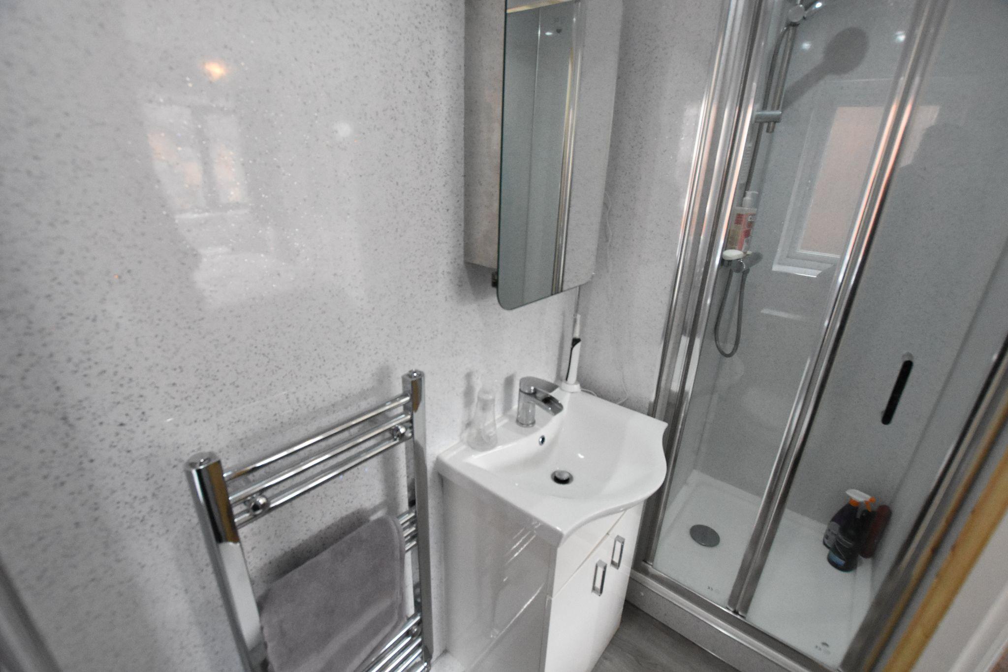 3 bedroom detached house Sold STC in Preston - En Suite