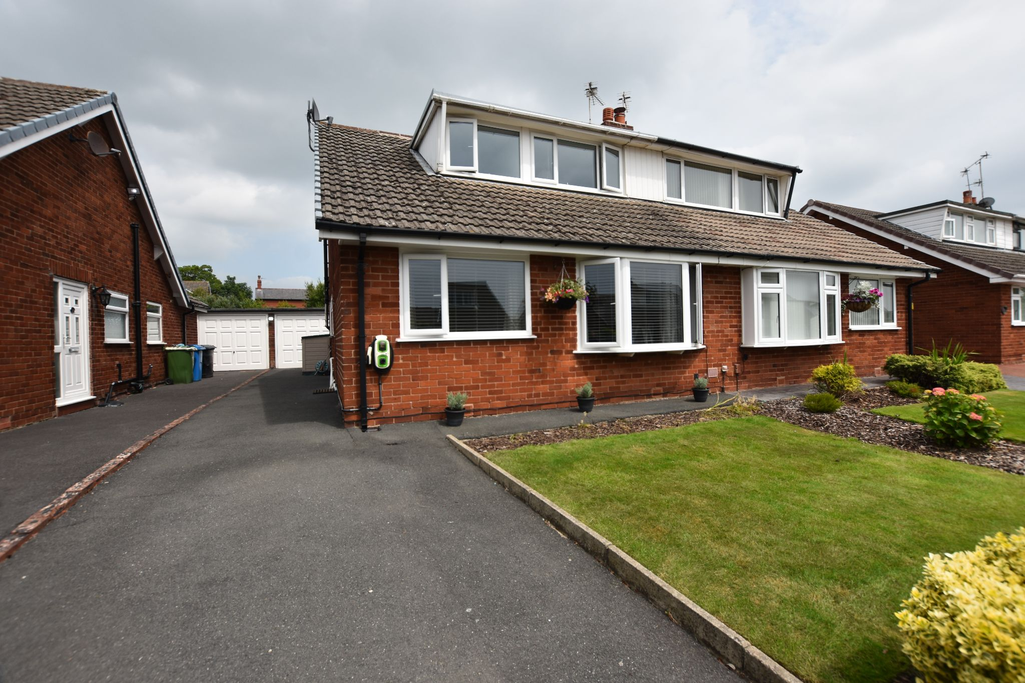 4 bedroom semi-detached bungalow Sold STC in Preston - Chatsworth Ave