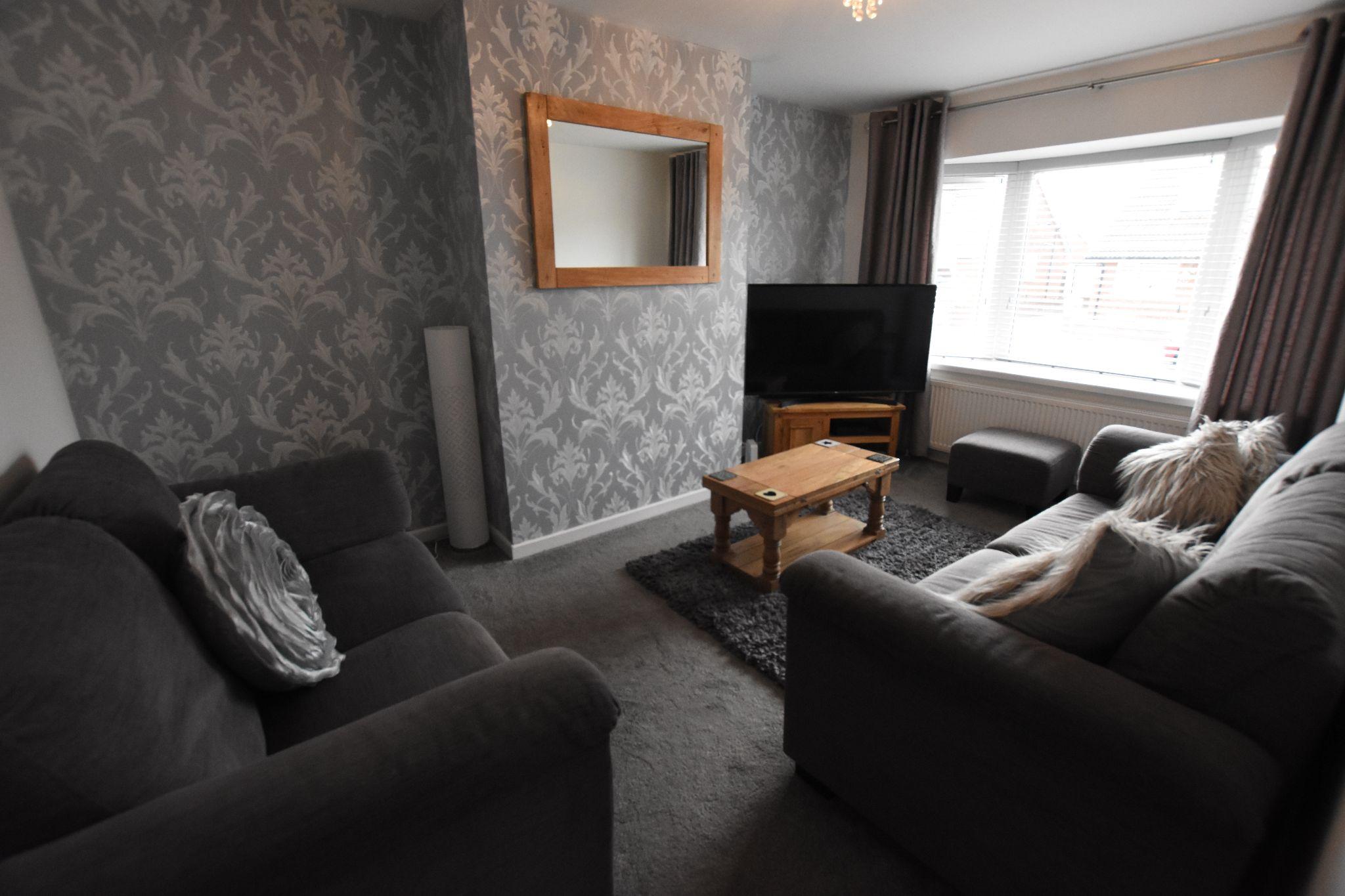4 bedroom semi-detached bungalow Sold STC in Preston - Lounge