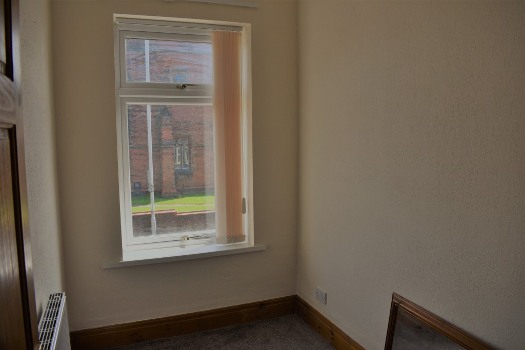 3 Bedroom Mid Terraced House - Image 23