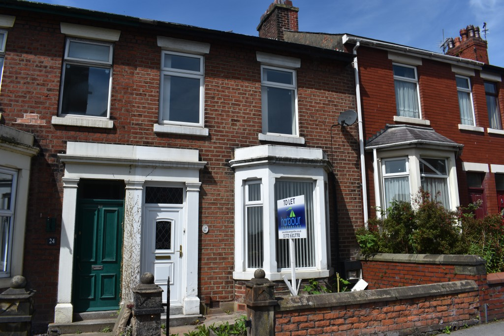 3 Bedroom Mid Terraced House - Image 0