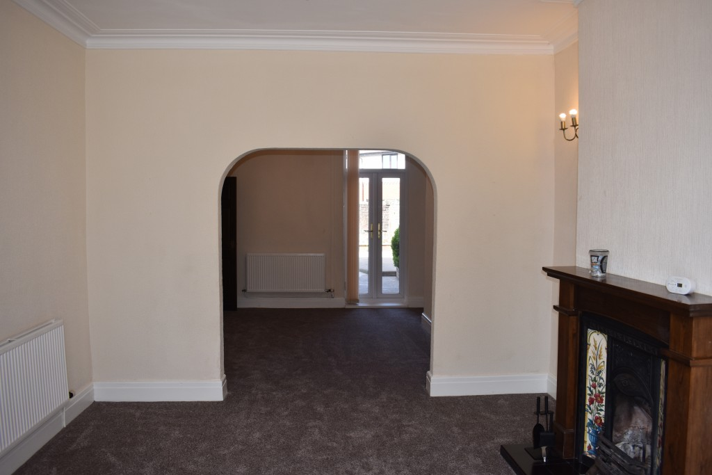 3 Bedroom Mid Terraced House - Image 6