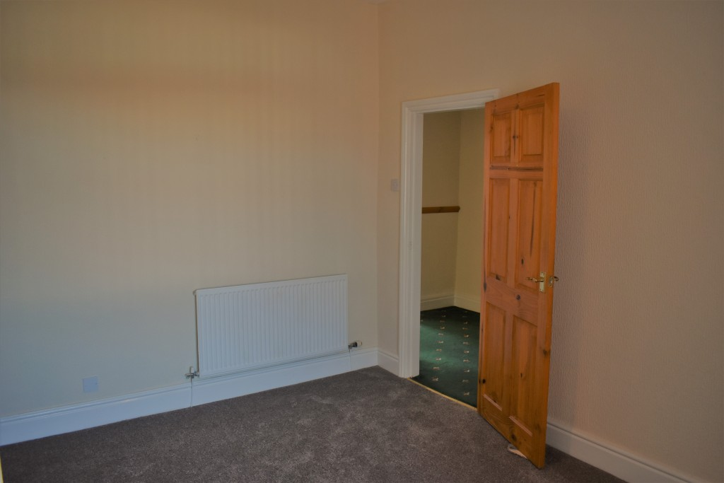 3 Bedroom Mid Terraced House - Image 18