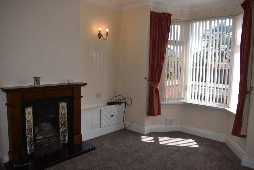 3 Bedroom Mid Terraced House - Image 4