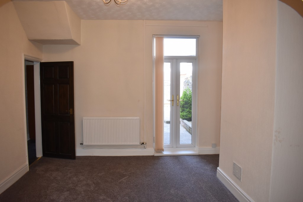 3 Bedroom Mid Terraced House - Image 8