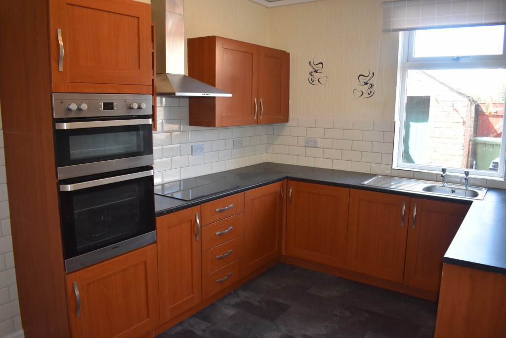 3 Bedroom Mid Terraced House - Image 11