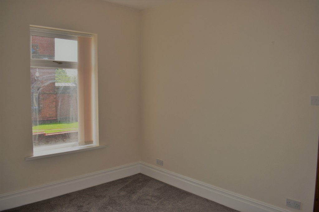3 Bedroom Mid Terraced House - Image 20