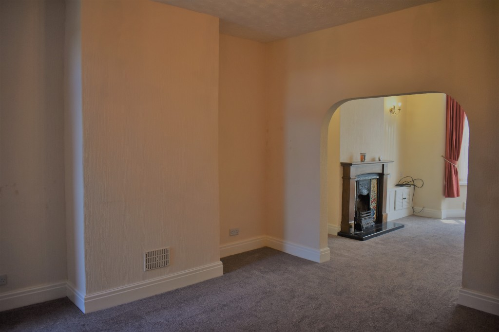 3 Bedroom Mid Terraced House - Image 10
