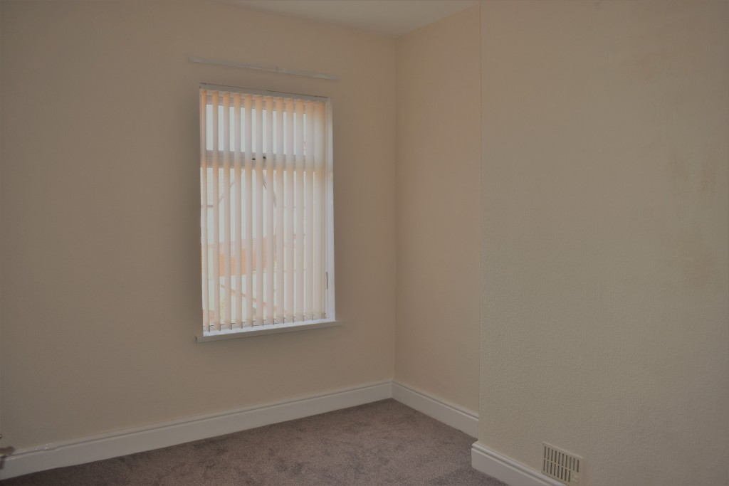 3 Bedroom Mid Terraced House - Image 17