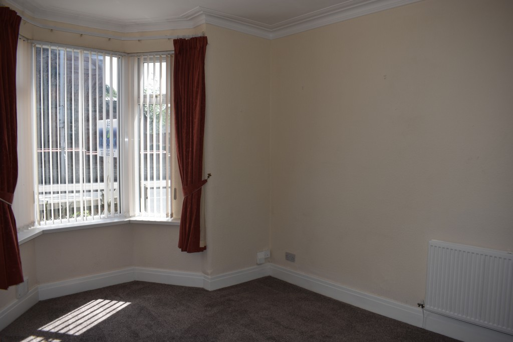 3 Bedroom Mid Terraced House - Image 5