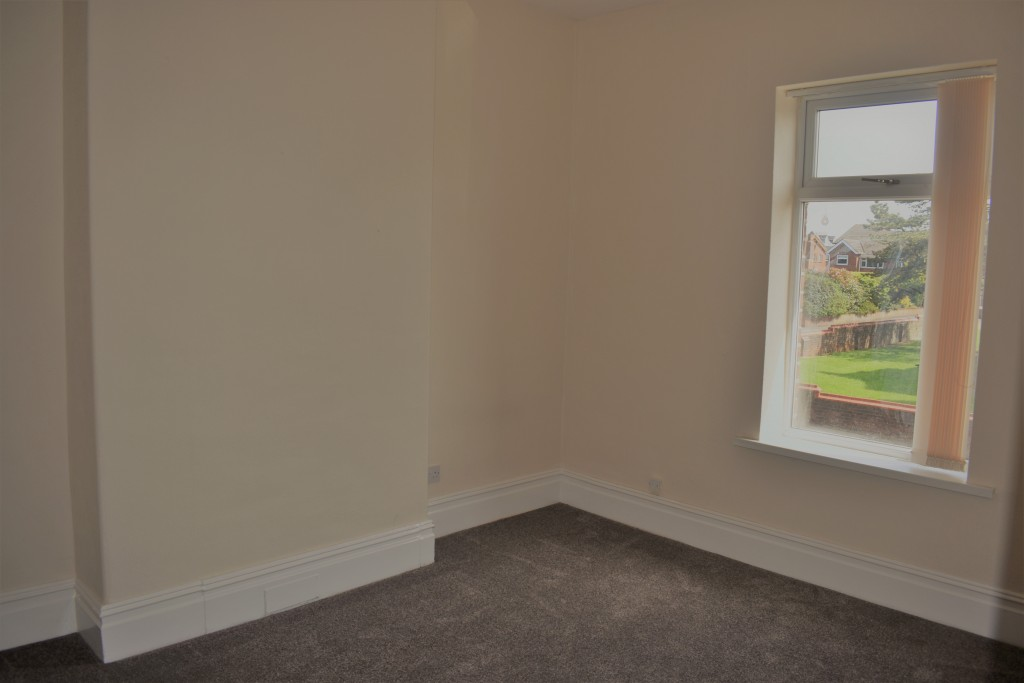 3 Bedroom Mid Terraced House - Image 19