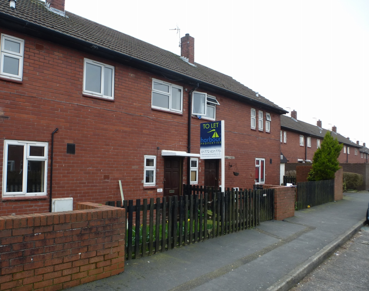 3 bedroom mid terraced house Let Agreed in Preston - Property photograph