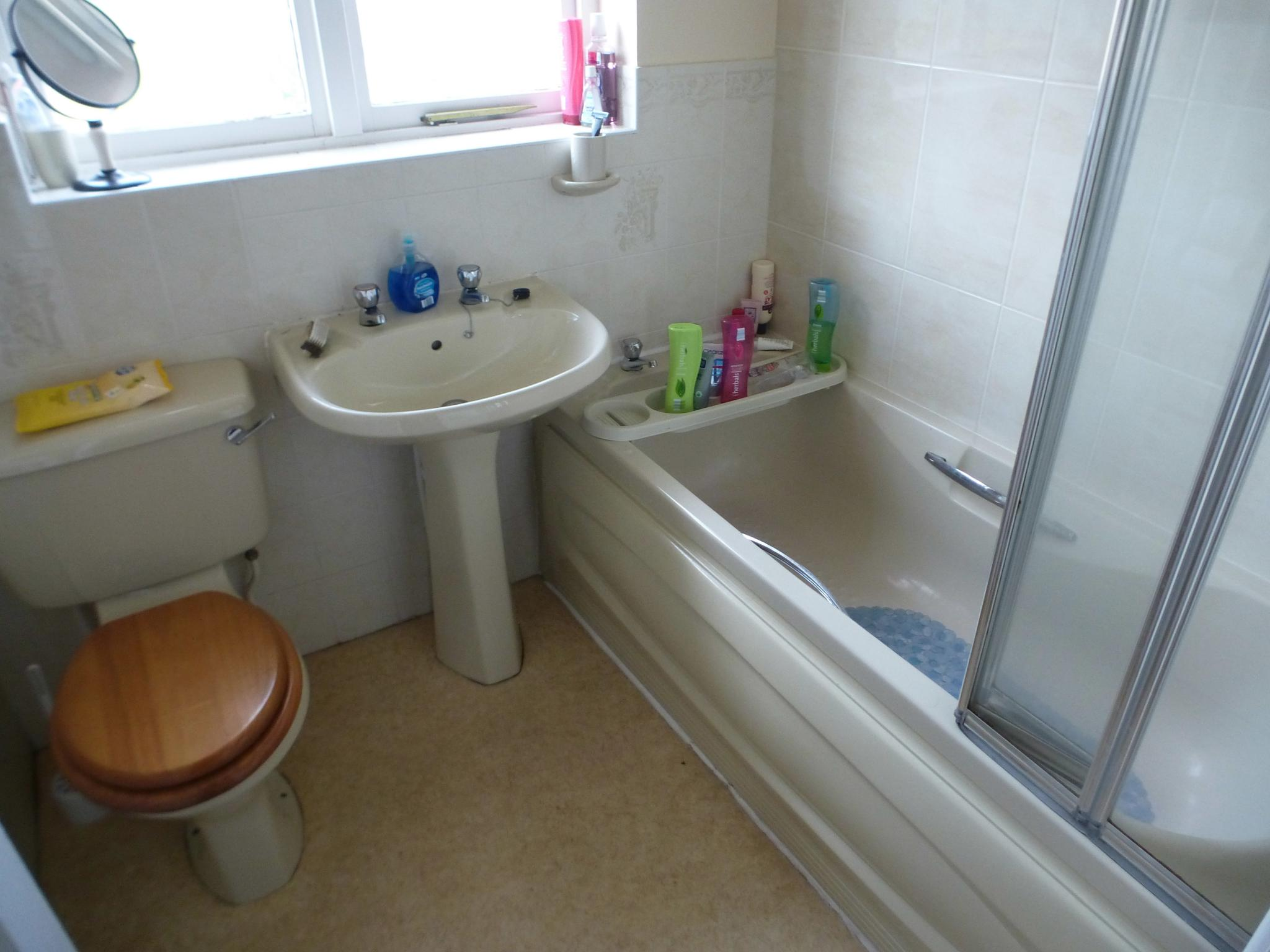 3 Bedroom Semi-detached House - Image 10