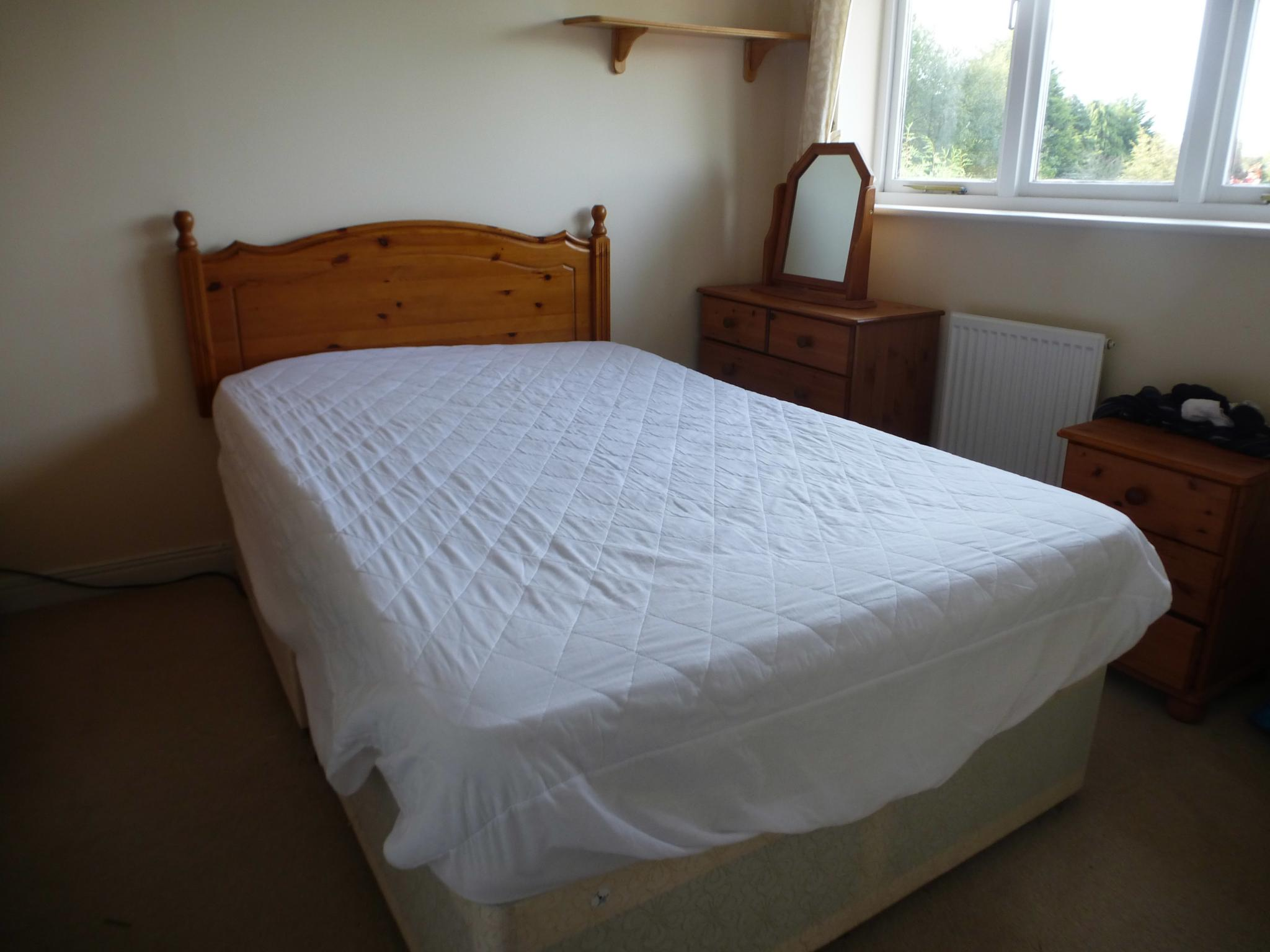 3 Bedroom Semi-detached House Let Agreed - Image 8