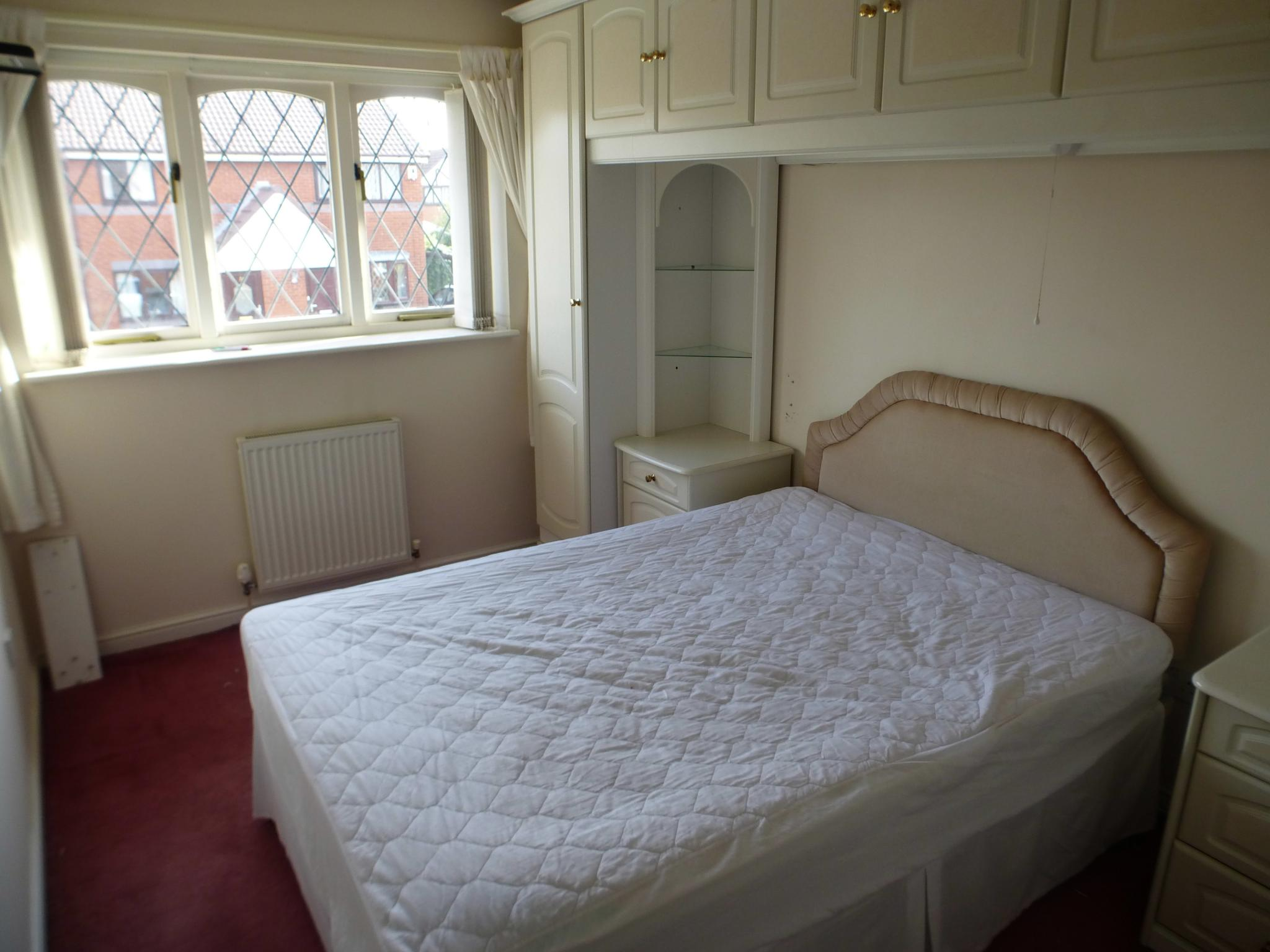 3 Bedroom Semi-detached House Let Agreed - Image 6