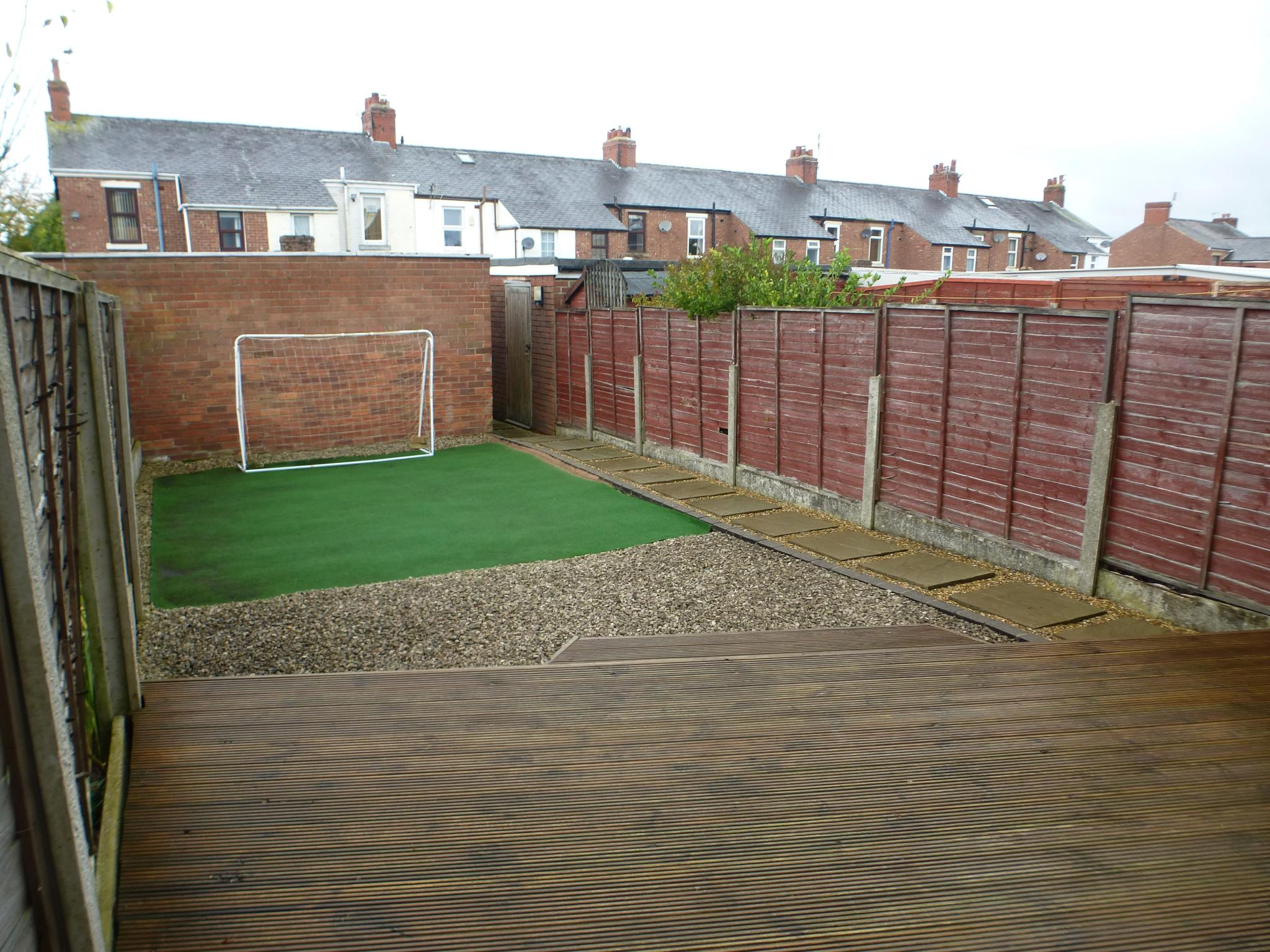 3 Bedroom Mid Terraced House For Sale - Image 18
