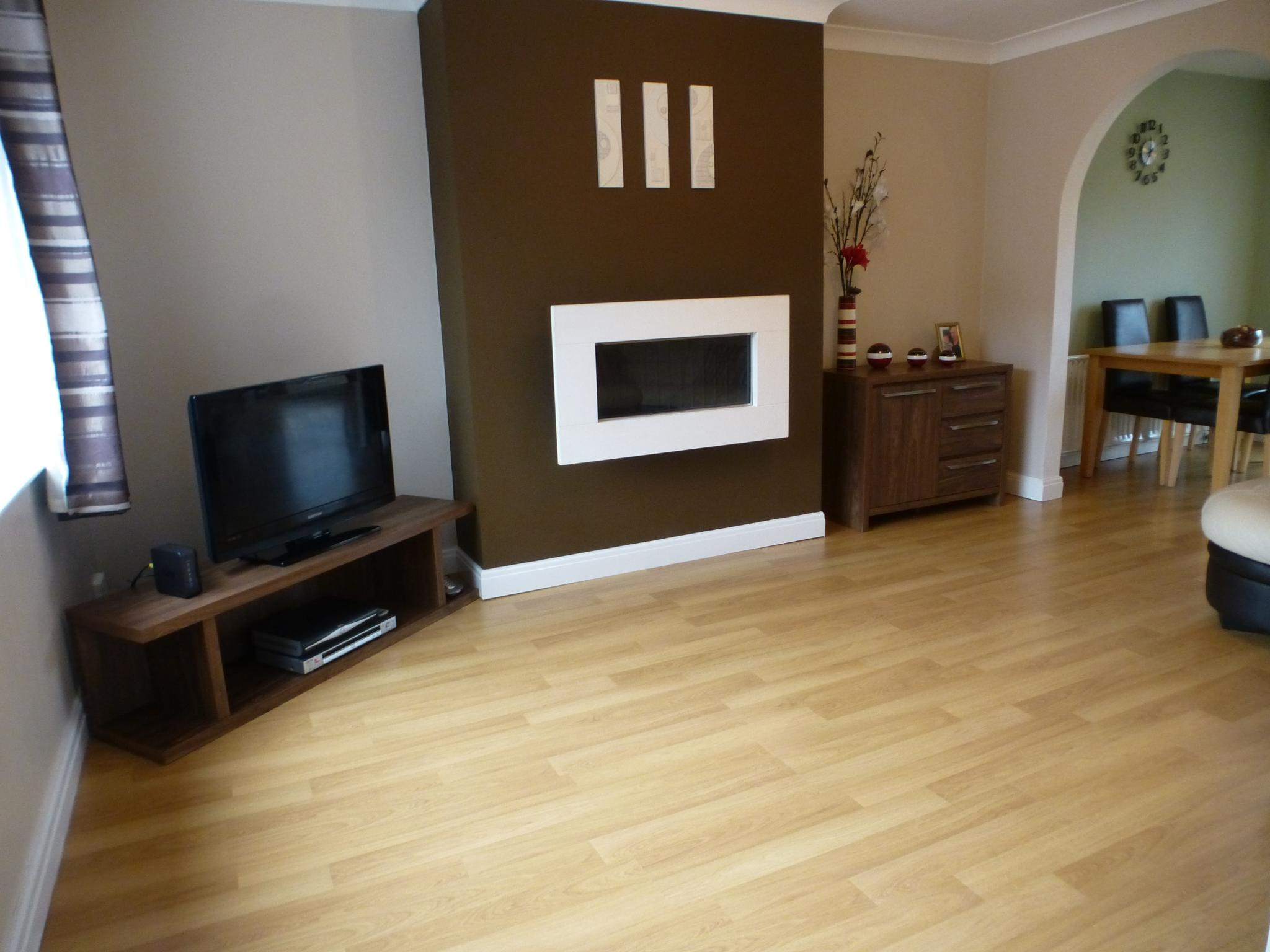 3 Bedroom Mid Terraced House For Sale - Image 3