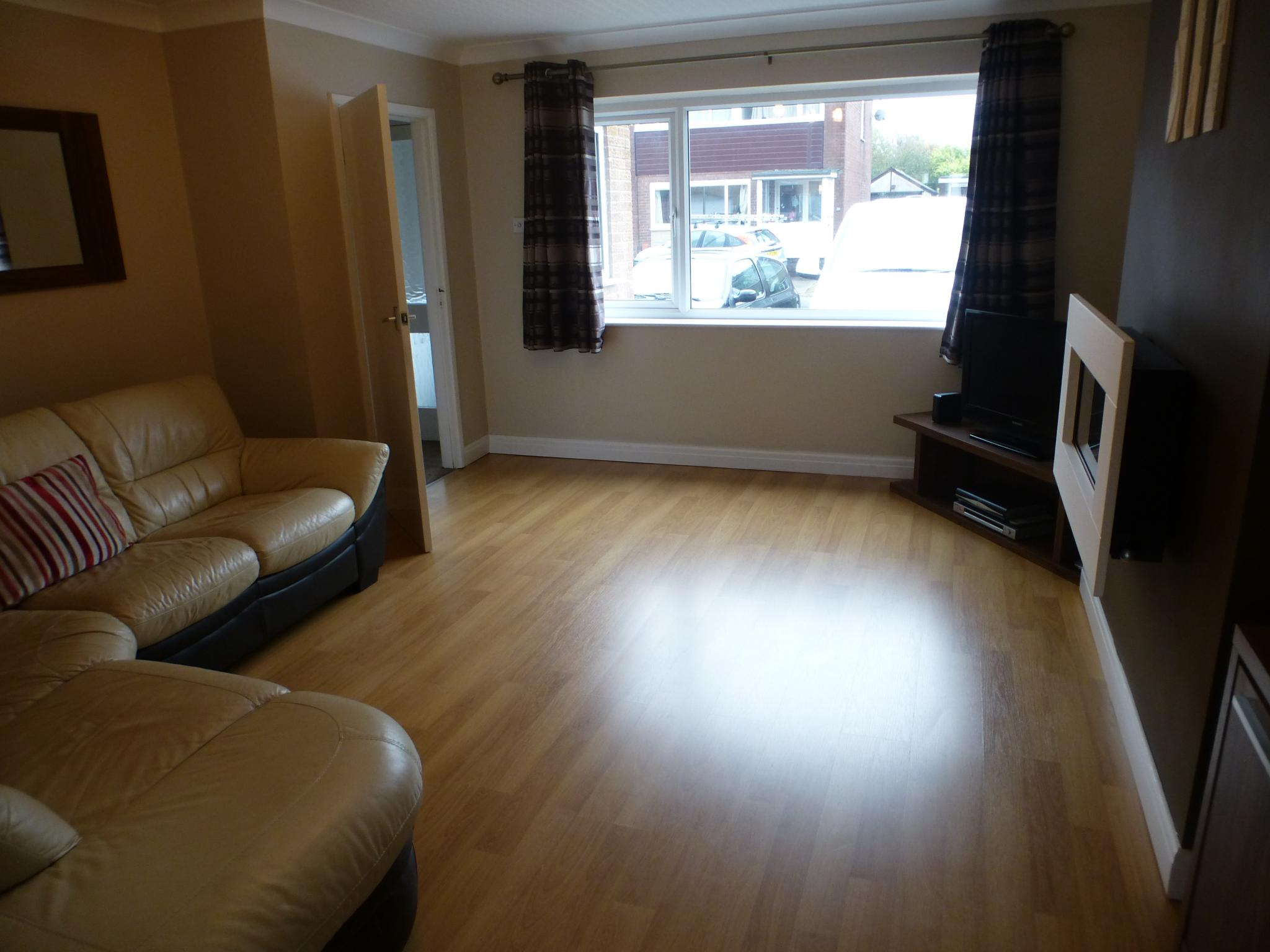 3 Bedroom Mid Terraced House For Sale - Image 2
