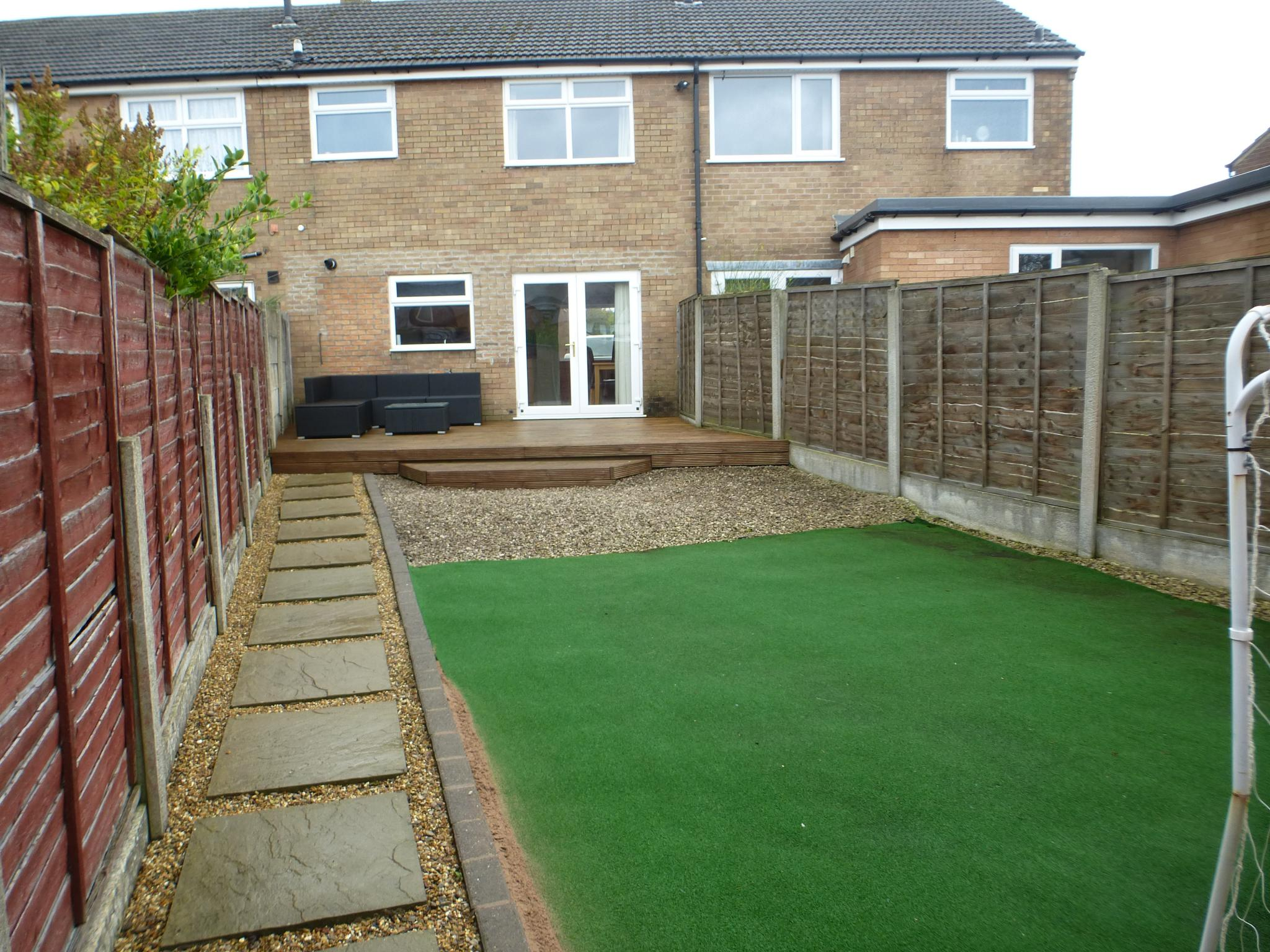 3 Bedroom Mid Terraced House For Sale - Image 17