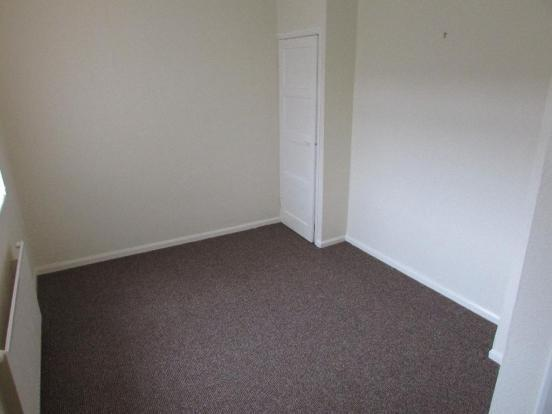 3 Bedroom Semi-detached House To Rent - Photograph 7