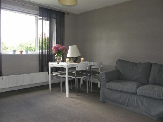 2 Bedroom Flat Flat/apartment To Rent - Lounge