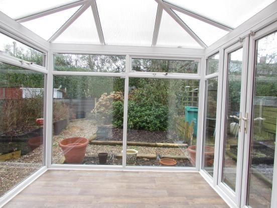 3 Bedroom End Terraced House To Rent - Conservatory