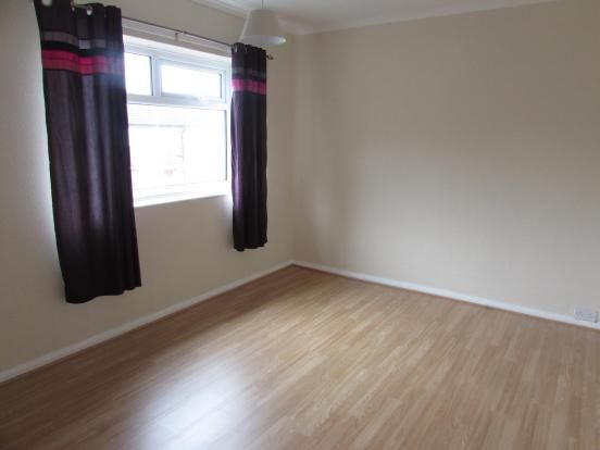 3 Bedroom End Terraced House To Rent - Bedroom One