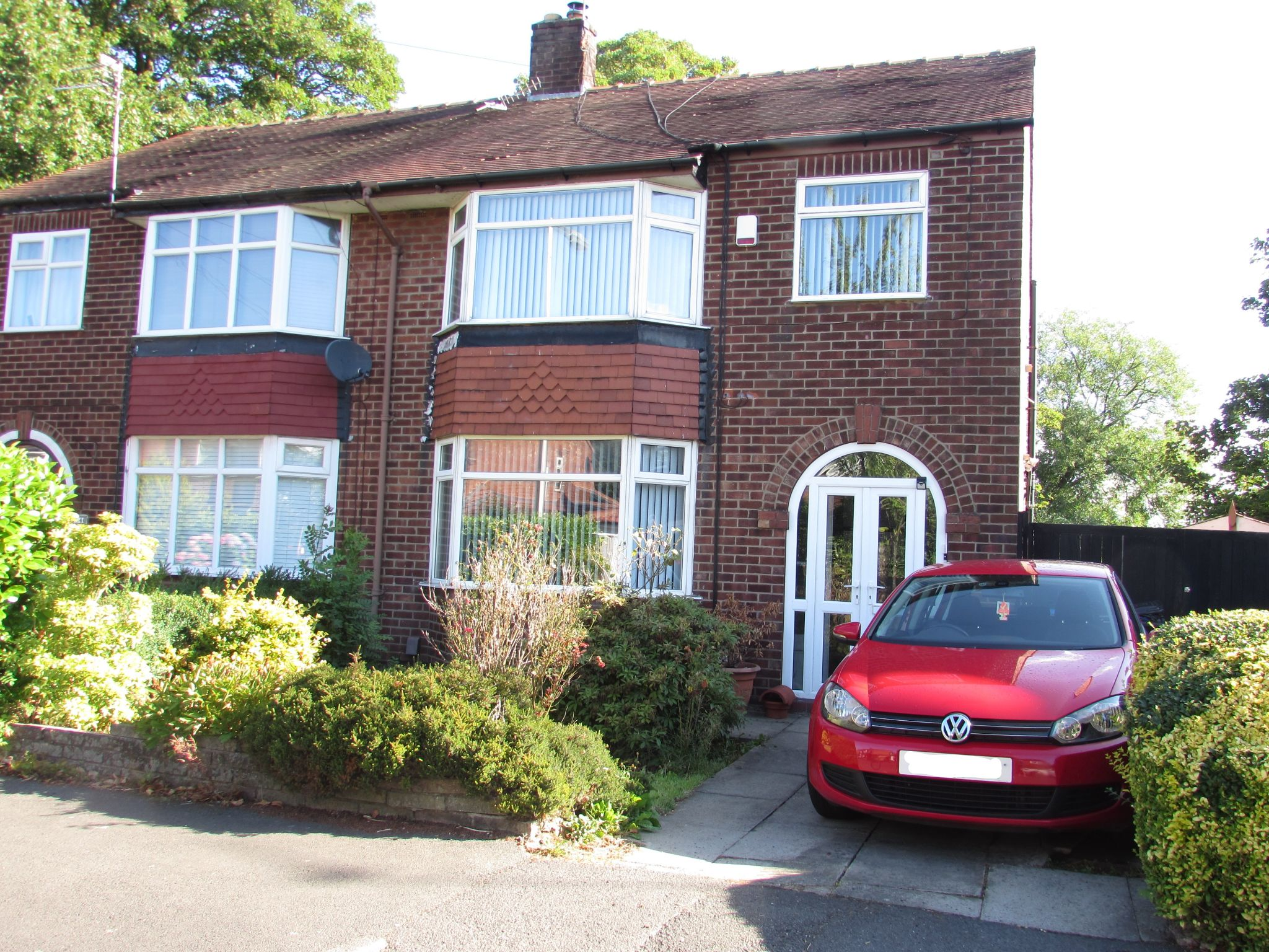 3 Bed Semi-detached House For Sale - Main Image