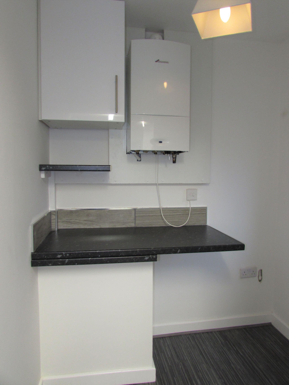 2 Bedroom Ground Floor Flat/apartment To Rent - Photograph 9