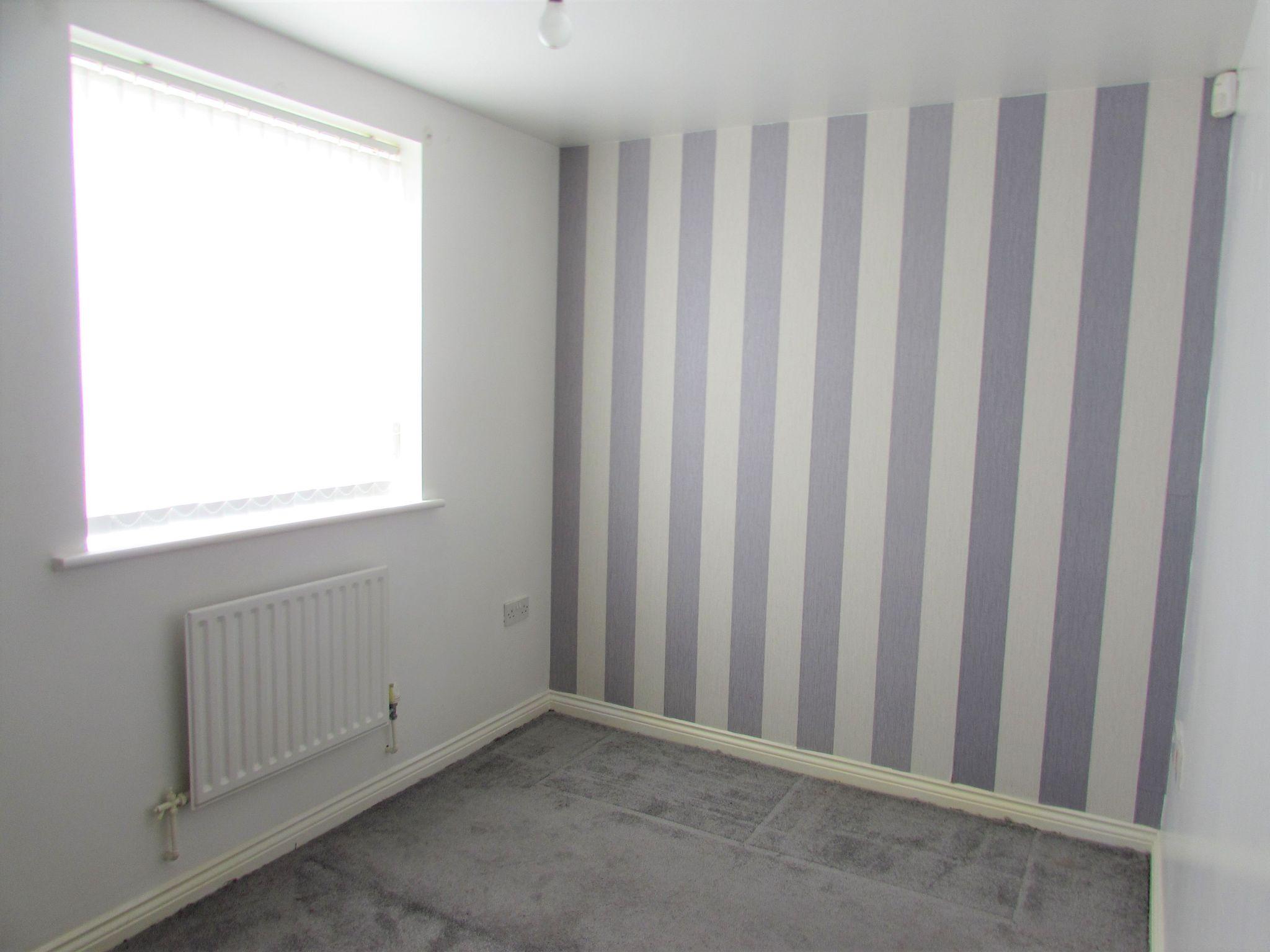2 Bedroom Ground Floor Flat/apartment To Rent - bedroom two