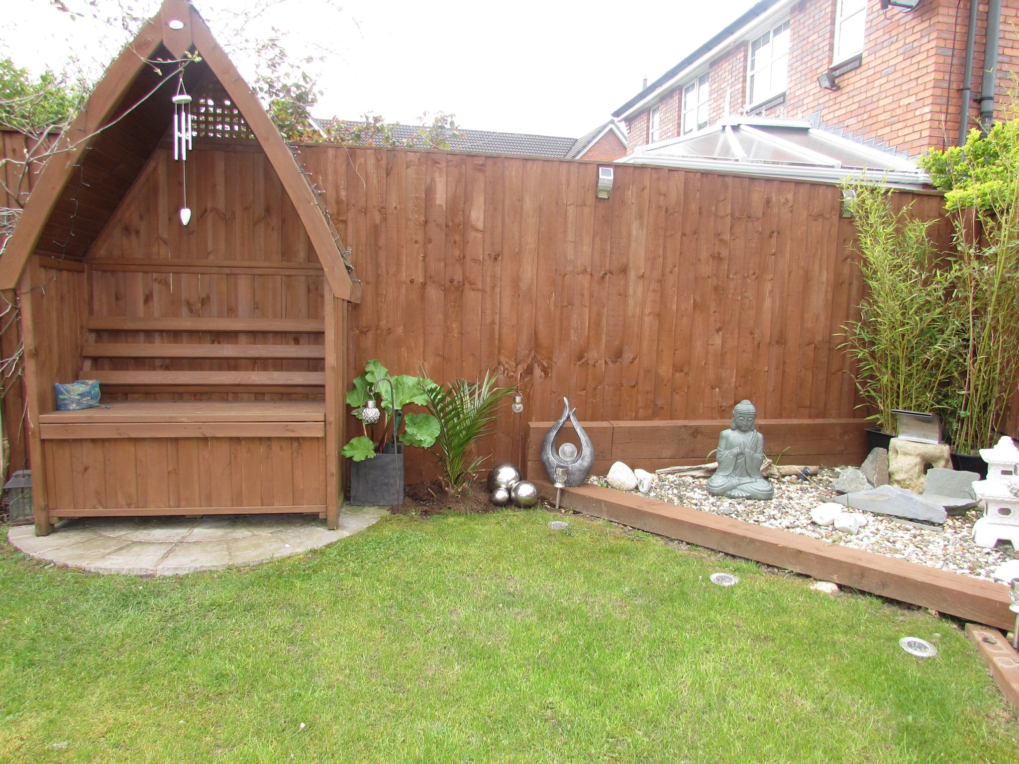 3 Bedroom Semi-detached House For Sale - Photograph 27