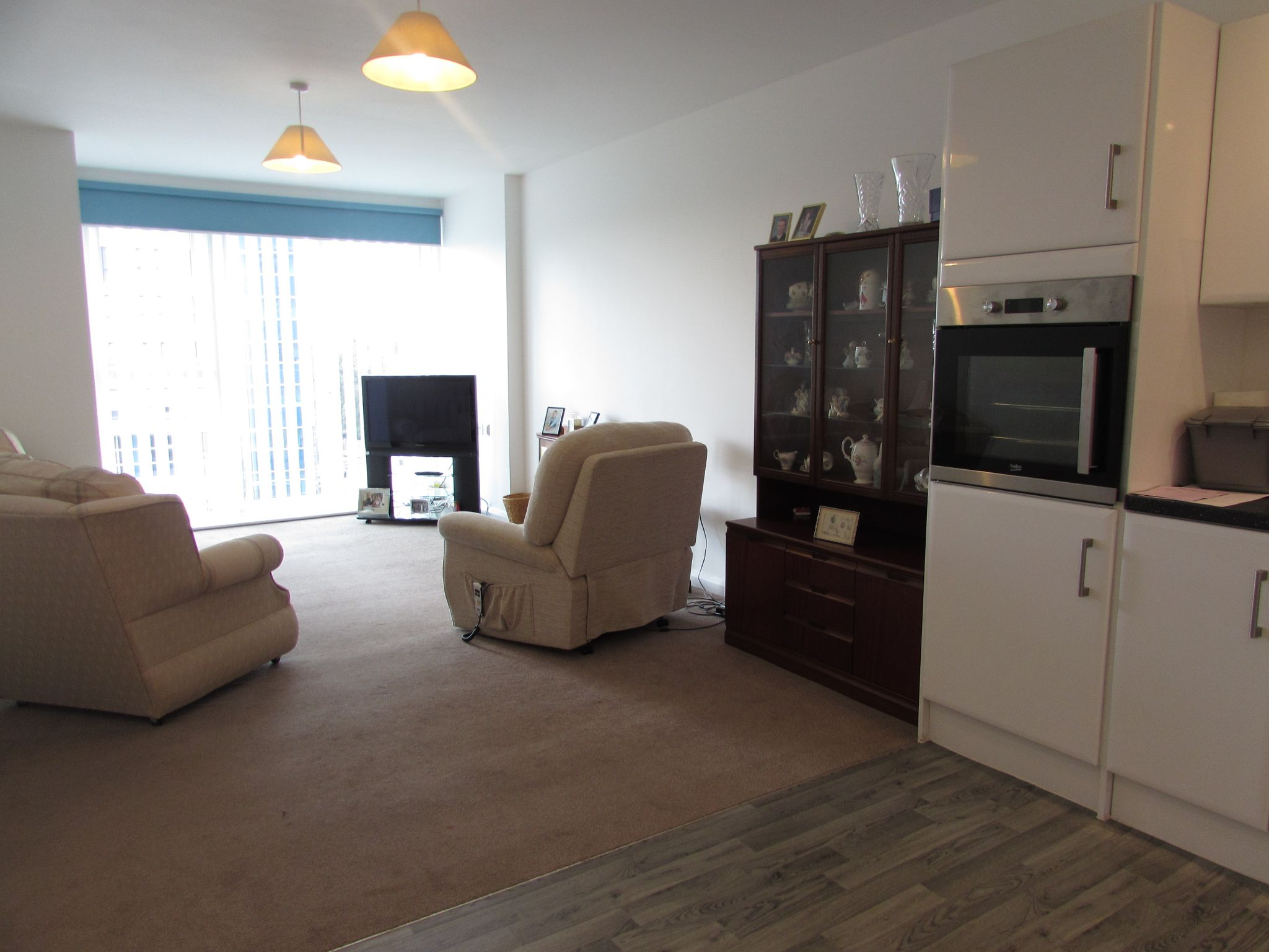 2 Bedroom Apartment Flat/apartment For Sale - Photograph 6