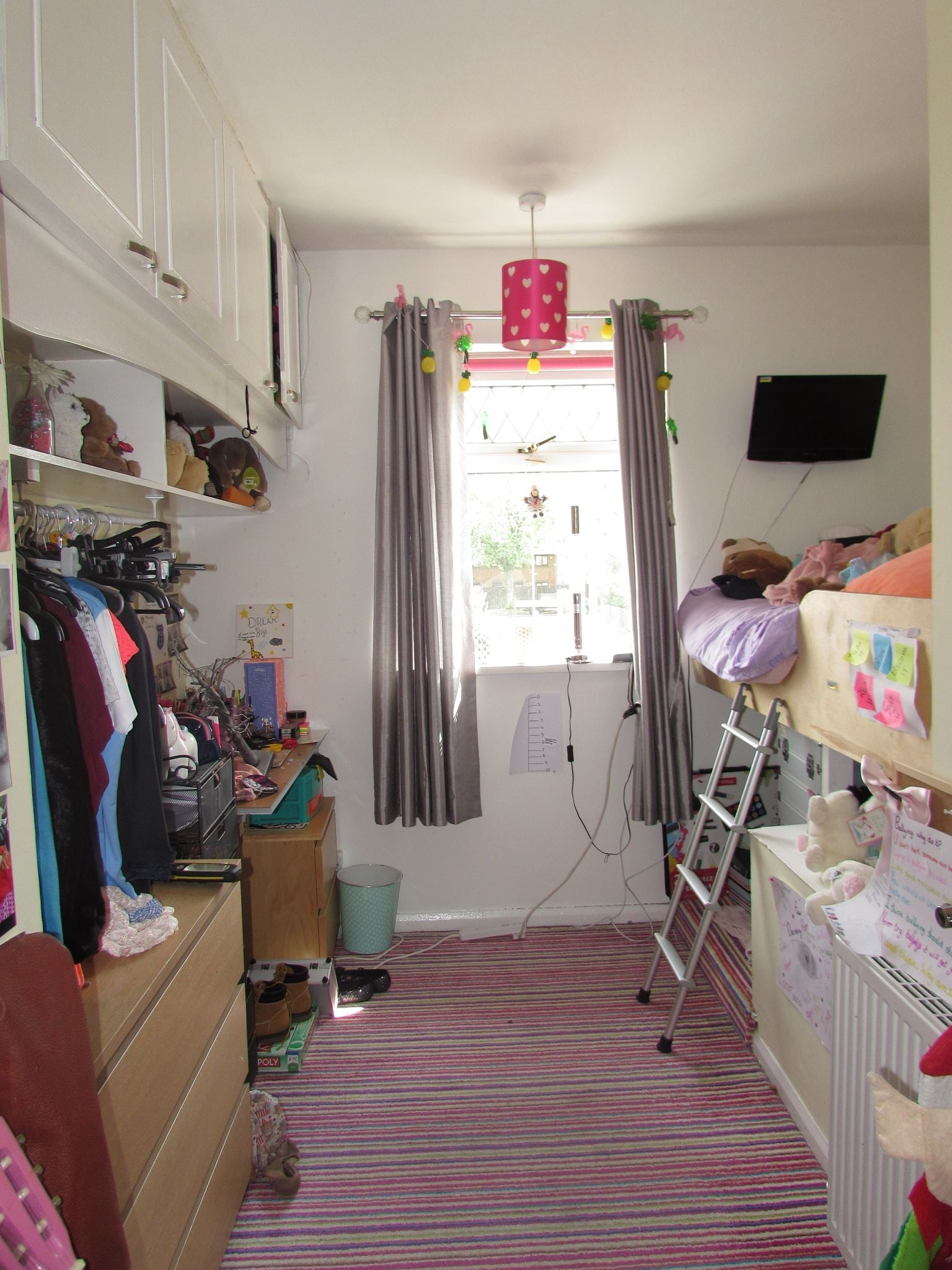 3 Bedroom Mid Terraced House For Sale - Bedroom Three