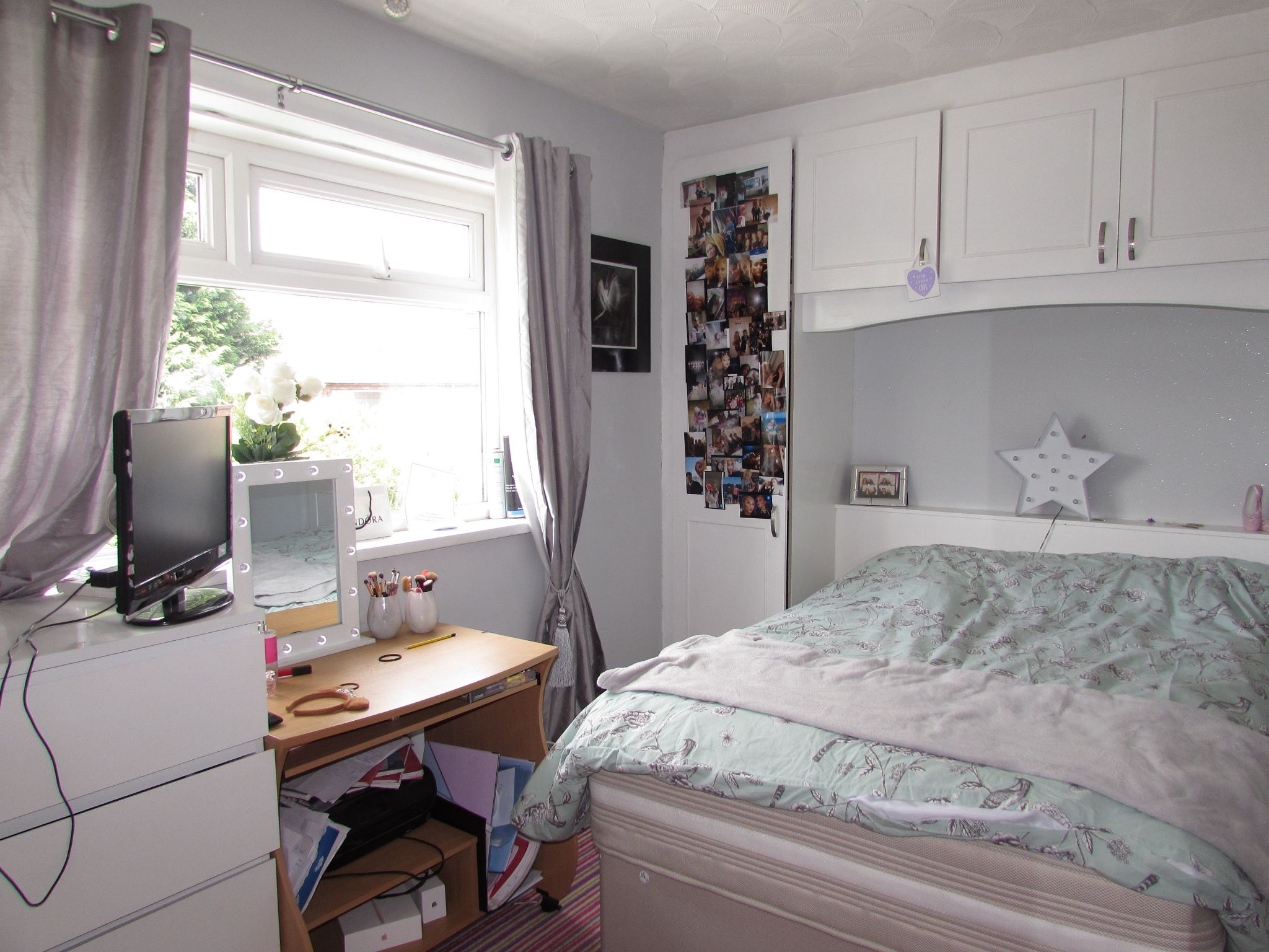 3 Bedroom Mid Terraced House For Sale - Bedroom Two