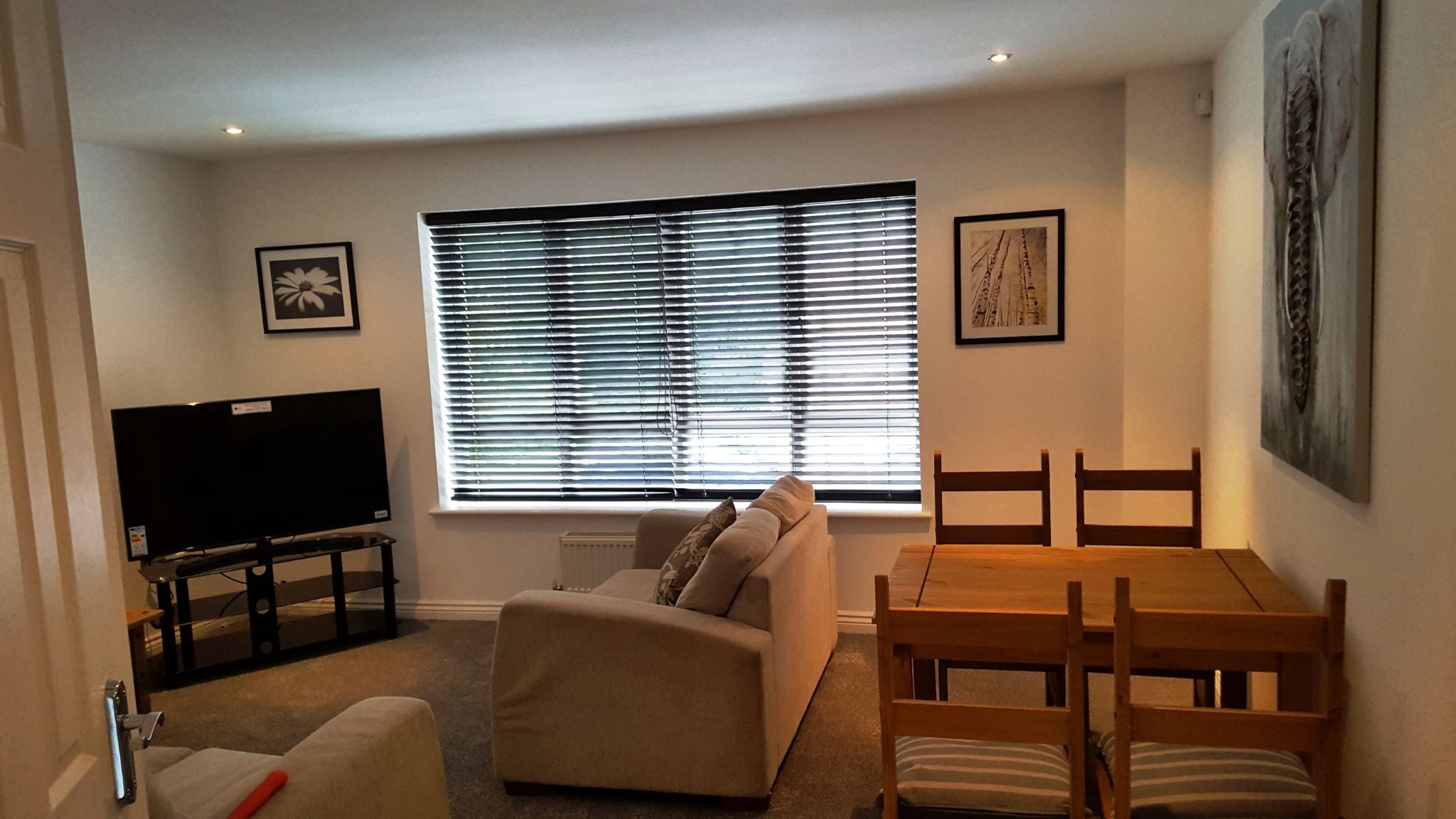1 Bedroom Mid Terraced House To Rent - Photograph 14