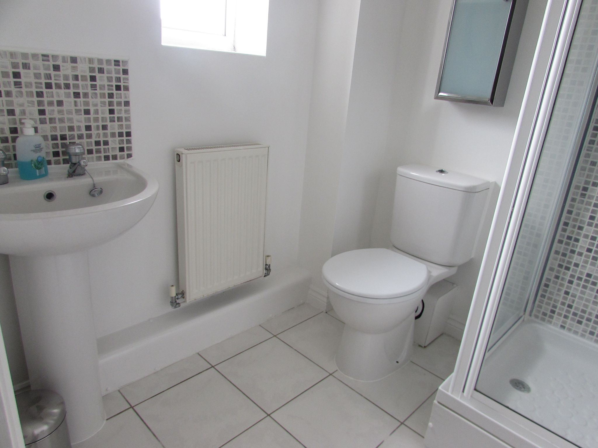 1 Bedroom Mid Terraced House To Rent - ROOM FOUR ENSUITE