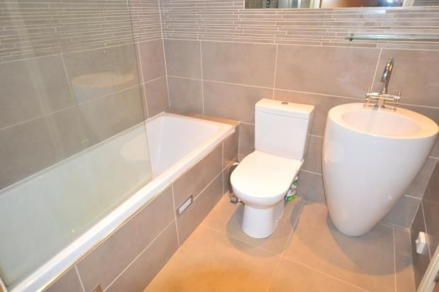 2 Bedroom Apartment Flat/apartment To Rent - Bathroom