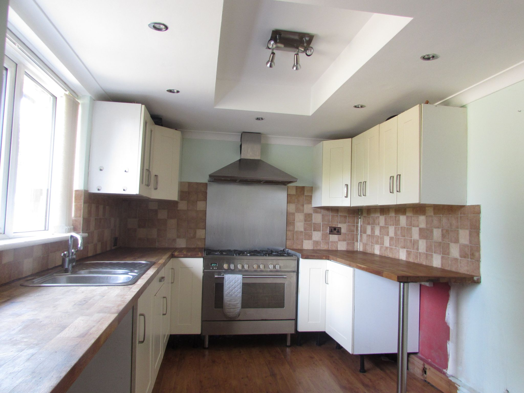 3 Bedroom Semi-detached House For Sale - Kitchen