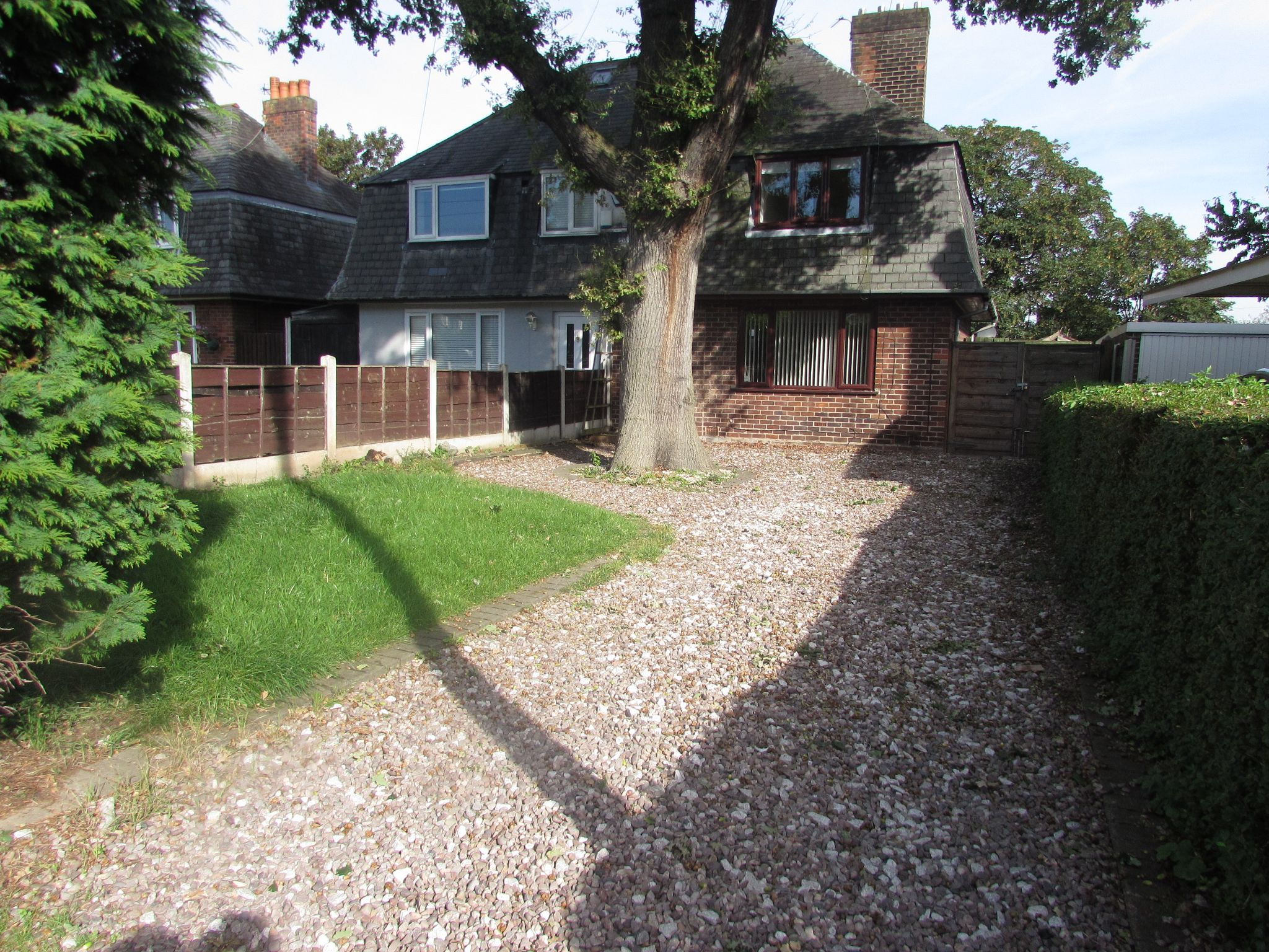 3 Bedroom Semi-detached House For Sale - Front