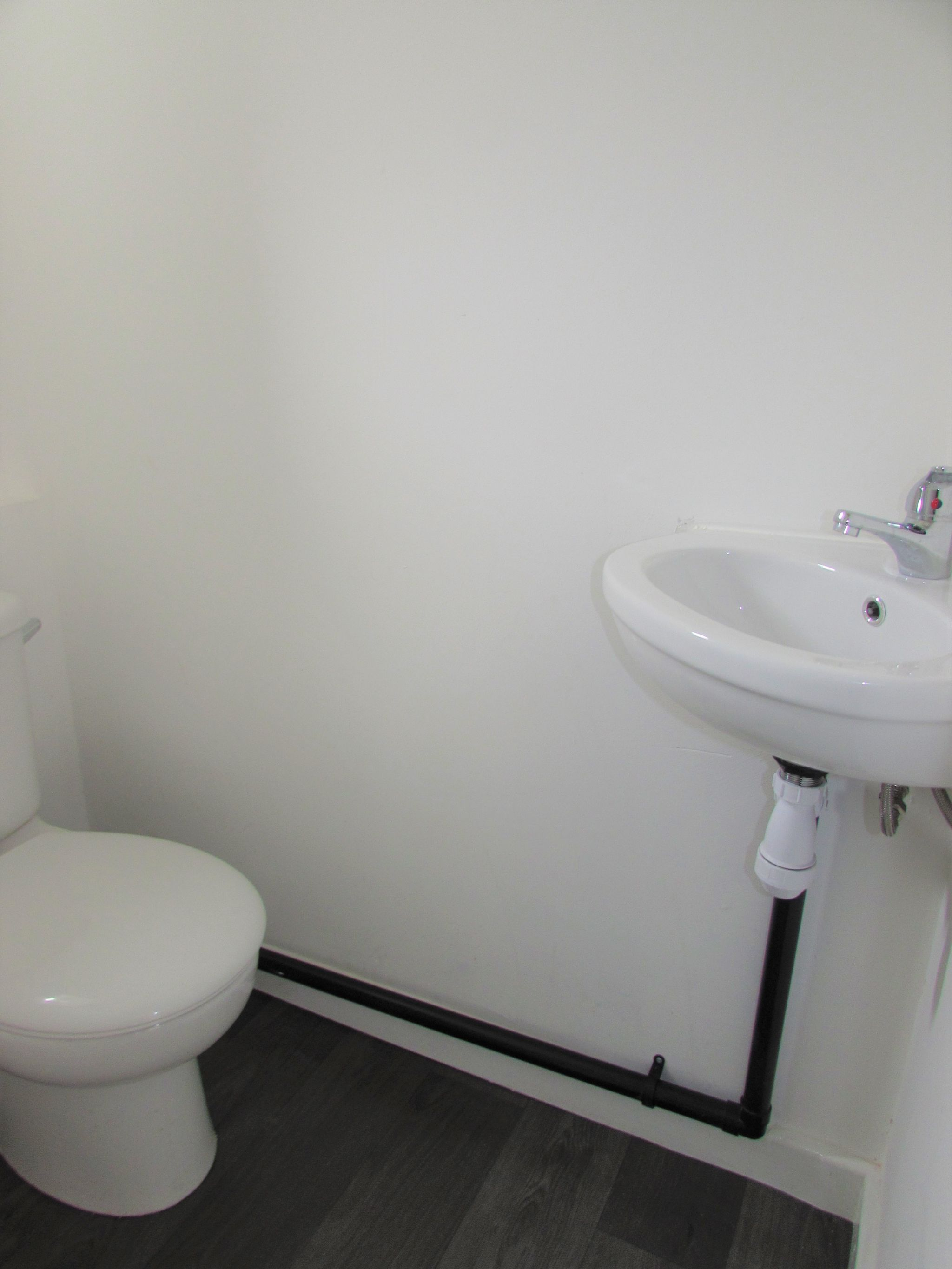 3 Bedroom End Terraced House For Sale - Downstairs WC