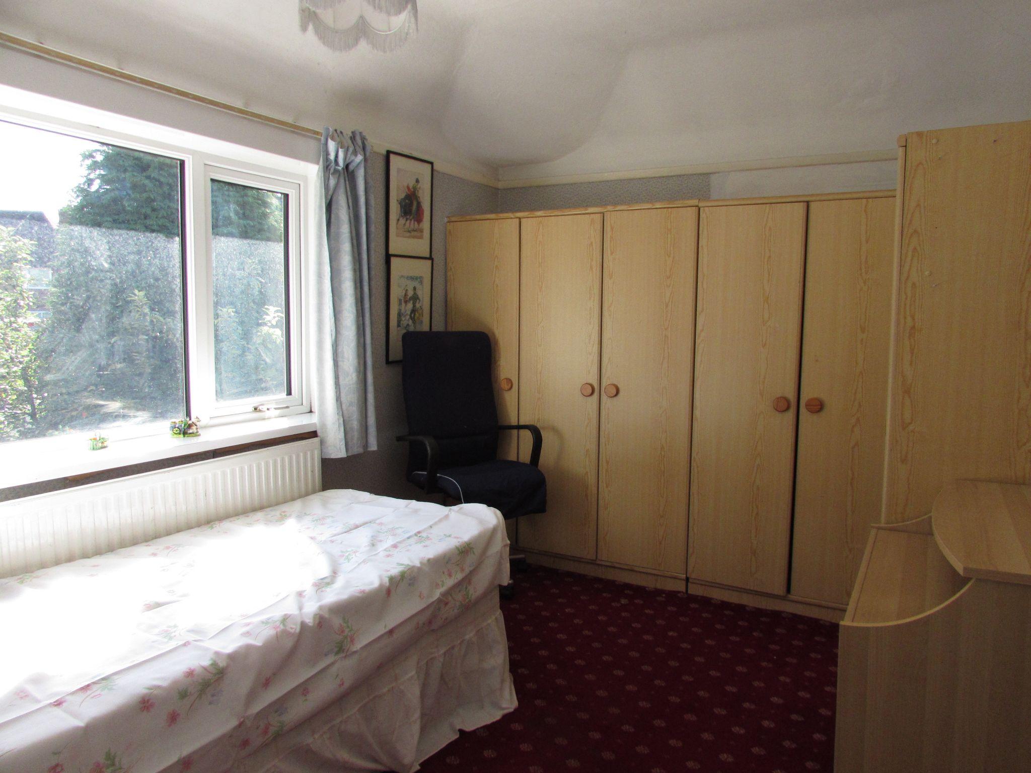 3 Bedroom Semi-detached House For Sale - Bedroom 2