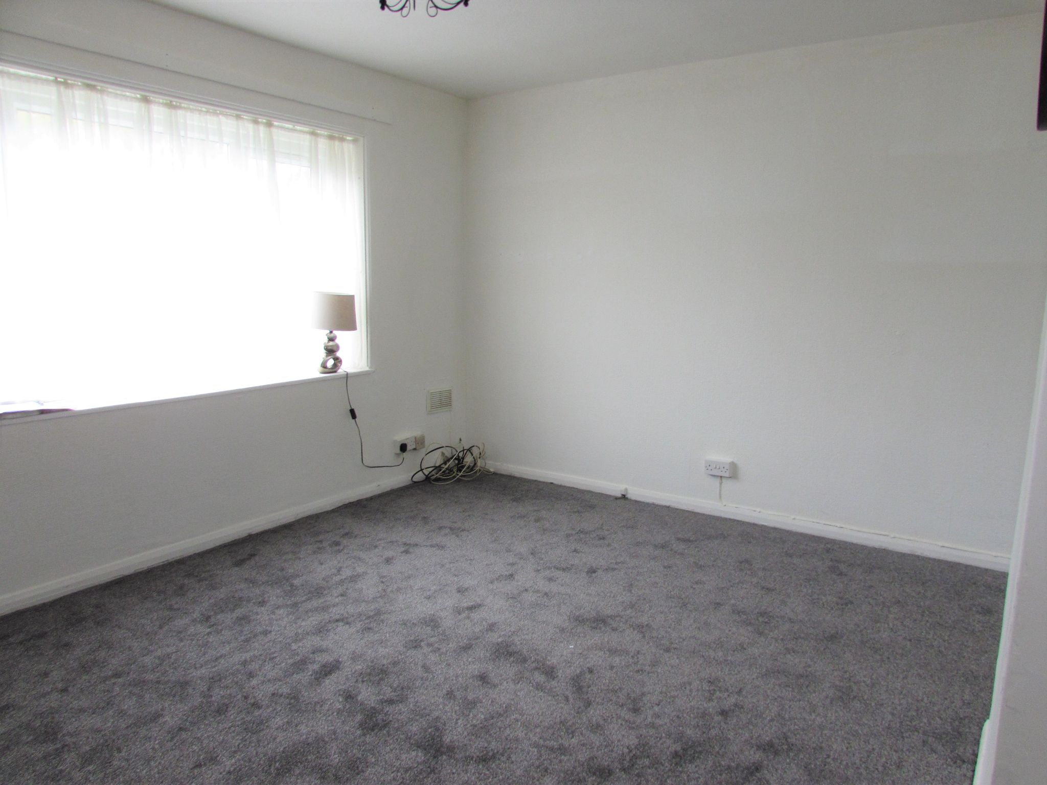 3 Bedroom End Terraced House For Sale - Photograph 4