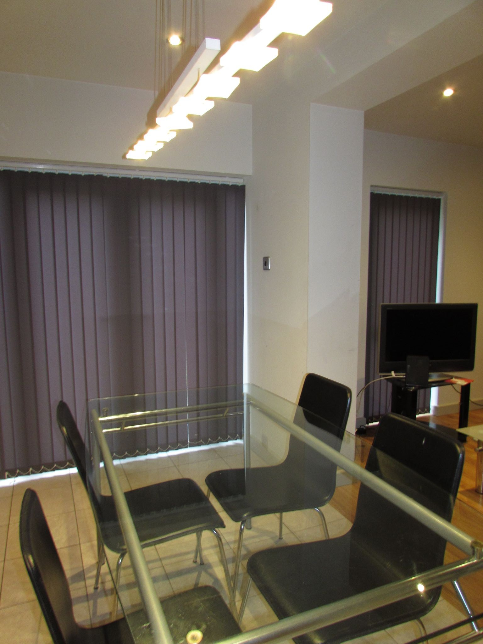 1 Bedroom Shared House To Rent - Photograph 2